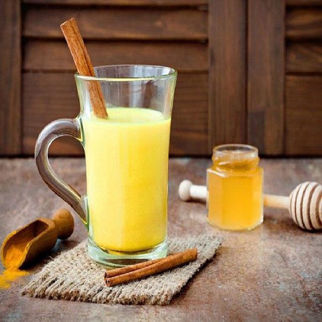 Uống nghệ mật ong mỗi ngày giúp chị em khỏe đẹp sau sinh