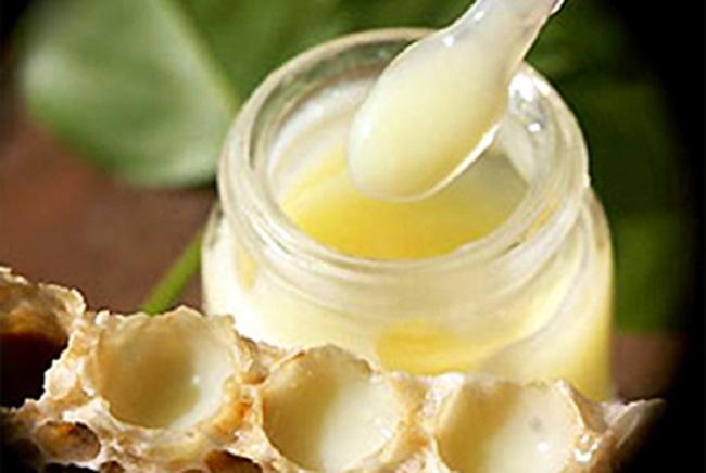 Sữa ong chúa là một sản phẩm làm đẹp và chăm sóc sức khỏe hoàn toàn từ thiên nhiên